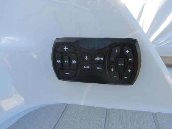 2021 Yamaha boat for sale, model of the boat is AR 250 & Image # 9 of 41