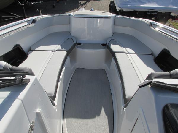 2021 Yamaha boat for sale, model of the boat is AR 250 & Image # 13 of 41