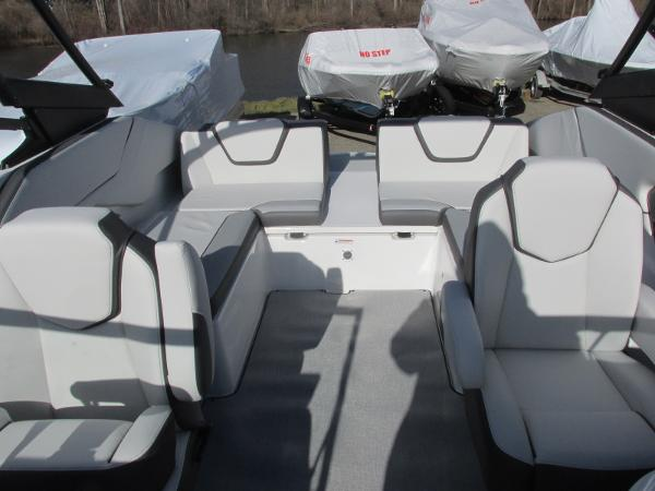 2021 Yamaha boat for sale, model of the boat is AR 250 & Image # 26 of 41