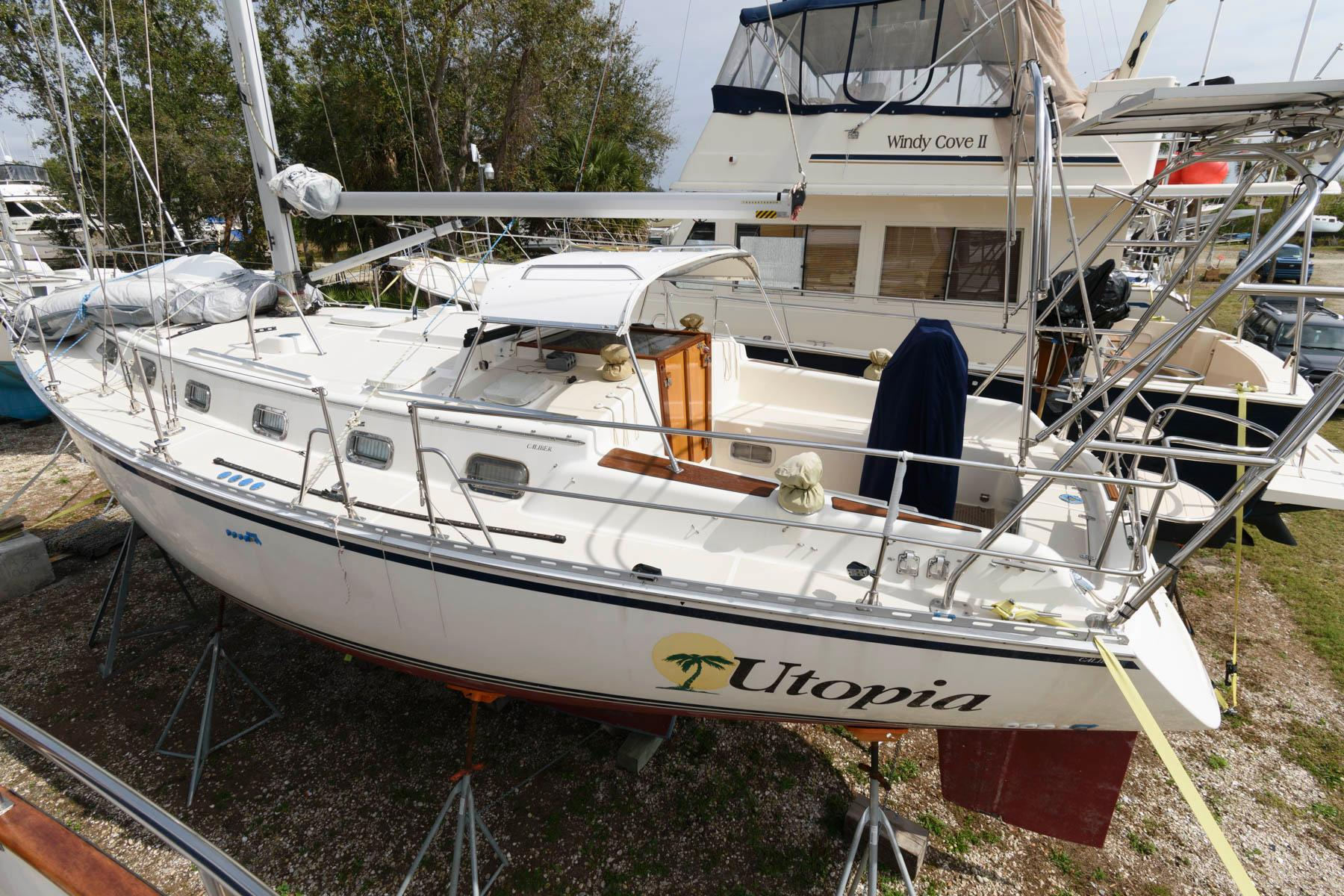 F 5937 SK Knot 10 Yacht Sales
