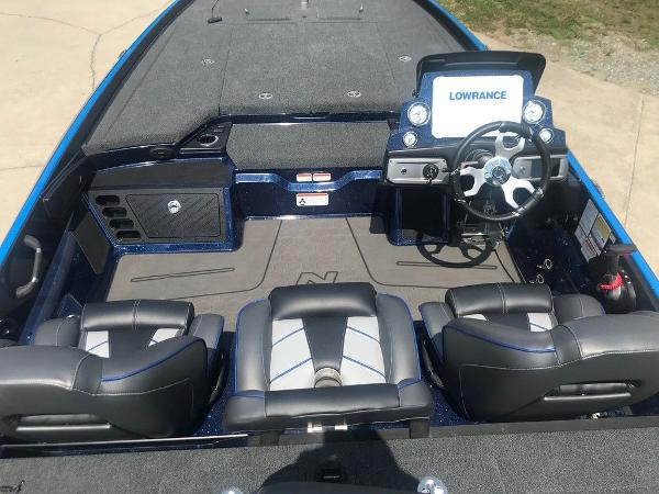 2022 Nitro boat for sale, model of the boat is Z21 XL Pro & Image # 2 of 16