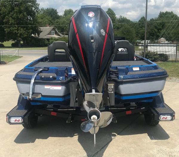 2022 Nitro boat for sale, model of the boat is Z21 XL Pro & Image # 3 of 16