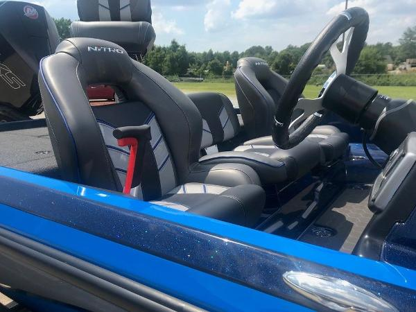 2022 Nitro boat for sale, model of the boat is Z21 XL Pro & Image # 5 of 16
