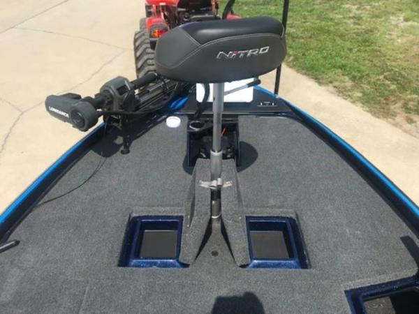 2022 Nitro boat for sale, model of the boat is Z21 XL Pro & Image # 11 of 16