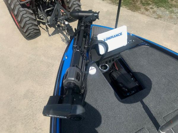 2022 Nitro boat for sale, model of the boat is Z21 XL Pro & Image # 13 of 16