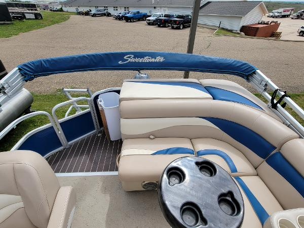 2013 Godfrey Pontoon boat for sale, model of the boat is SWEETWATER 2086 & Image # 11 of 16