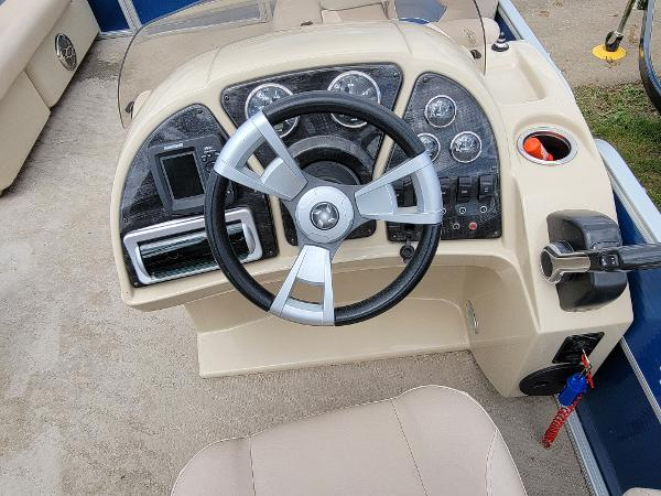 2013 Godfrey Pontoon boat for sale, model of the boat is SWEETWATER 2086 & Image # 14 of 16