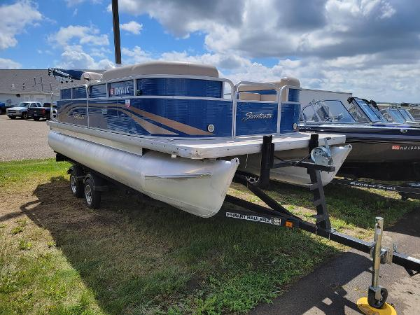 2013 Godfrey Pontoon boat for sale, model of the boat is SWEETWATER 2086 & Image # 3 of 16