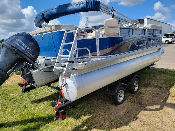 2013 Godfrey Pontoon boat for sale, model of the boat is SWEETWATER 2086 & Image # 4 of 16