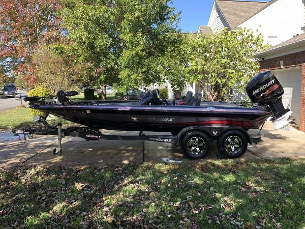 2017 Phoenix boat for sale, model of the boat is 919 ProXP & Image # 1 of 6