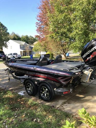 2017 Phoenix boat for sale, model of the boat is 919 ProXP & Image # 4 of 6