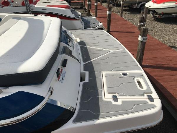 2016 Regal boat for sale, model of the boat is 1900ESX & Image # 8 of 9