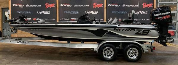 2014 Nitro boat for sale, model of the boat is Z Series Z-9 & Image # 1 of 17
