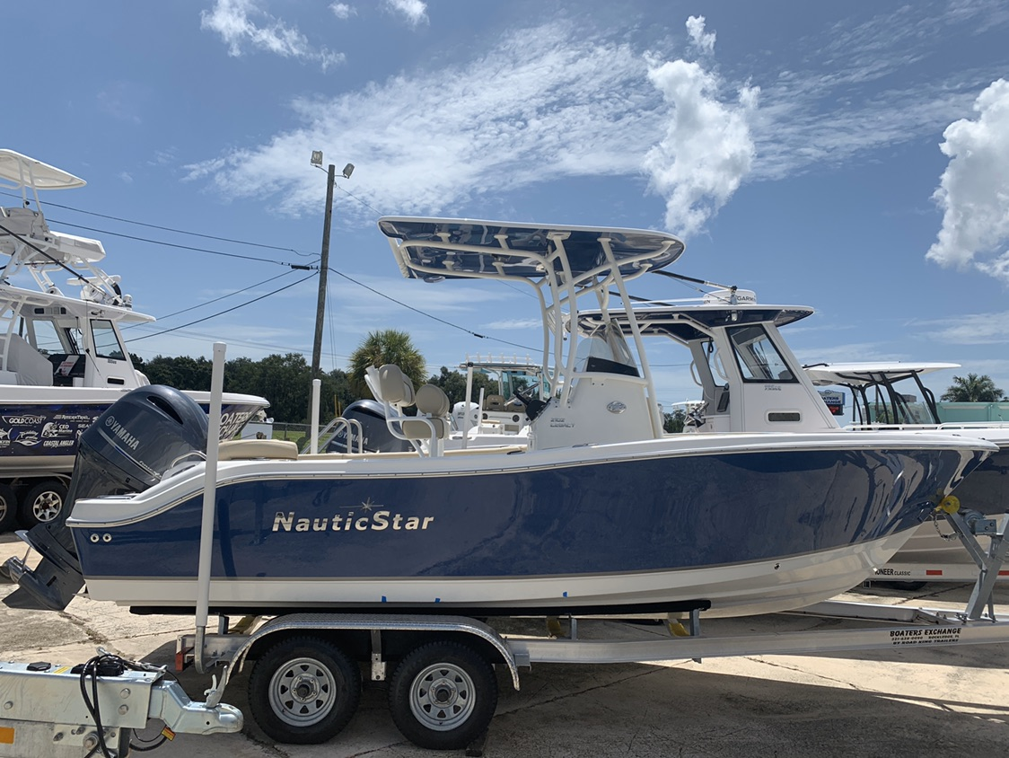 2021 NAUTIC STAR 2102 Legacy