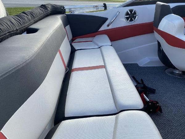 2015 Four Winns boat for sale, model of the boat is H 180 OB & Image # 10 of 10