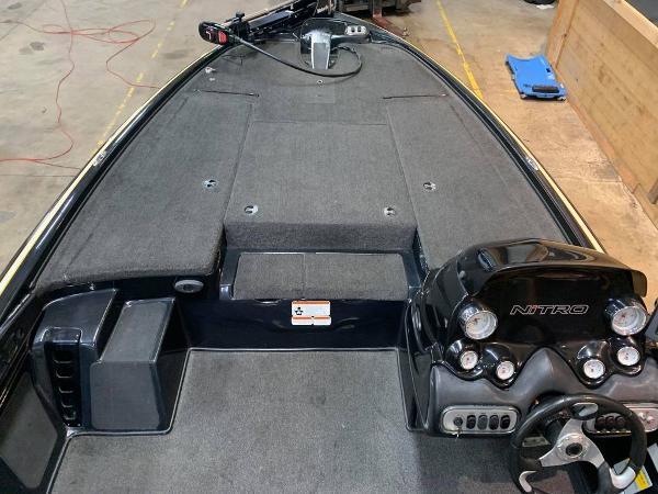 2013 Nitro boat for sale, model of the boat is Z Series Z - 8 & Image # 6 of 17