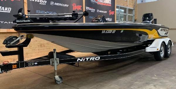 2013 Nitro boat for sale, model of the boat is Z Series Z - 8 & Image # 8 of 17