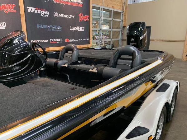 2013 Nitro boat for sale, model of the boat is Z Series Z - 8 & Image # 9 of 17