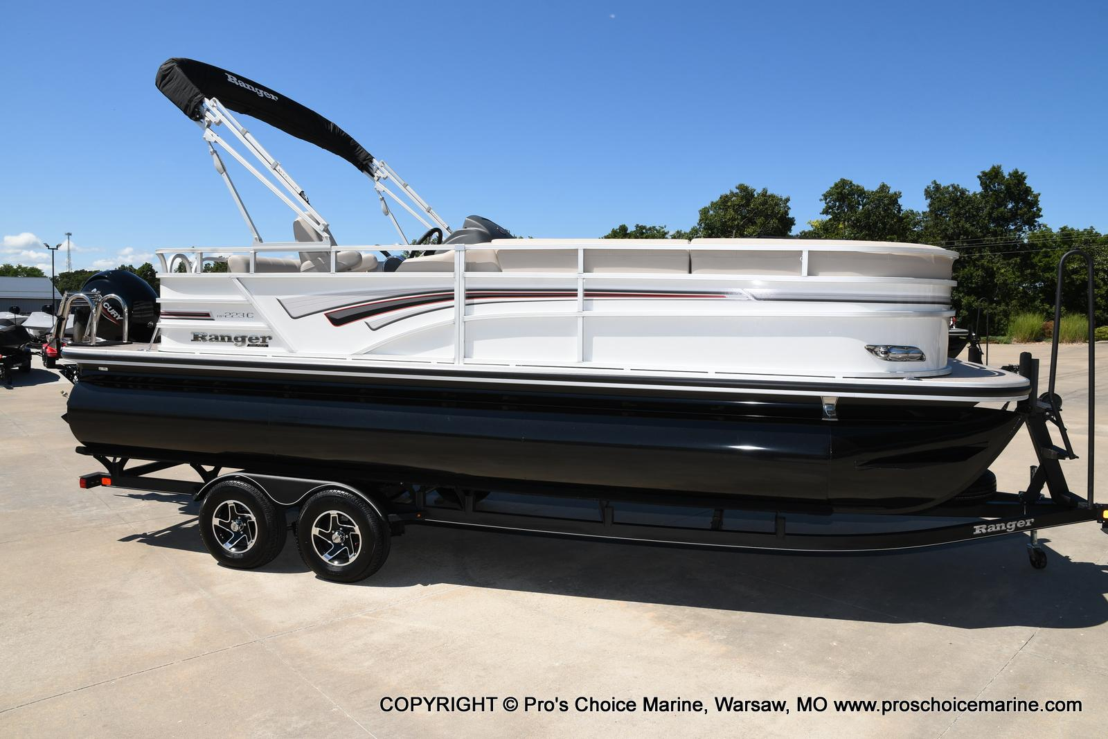 2021 Ranger Boats boat for sale, model of the boat is 223C TRIPLE LOG & Image # 1 of 50