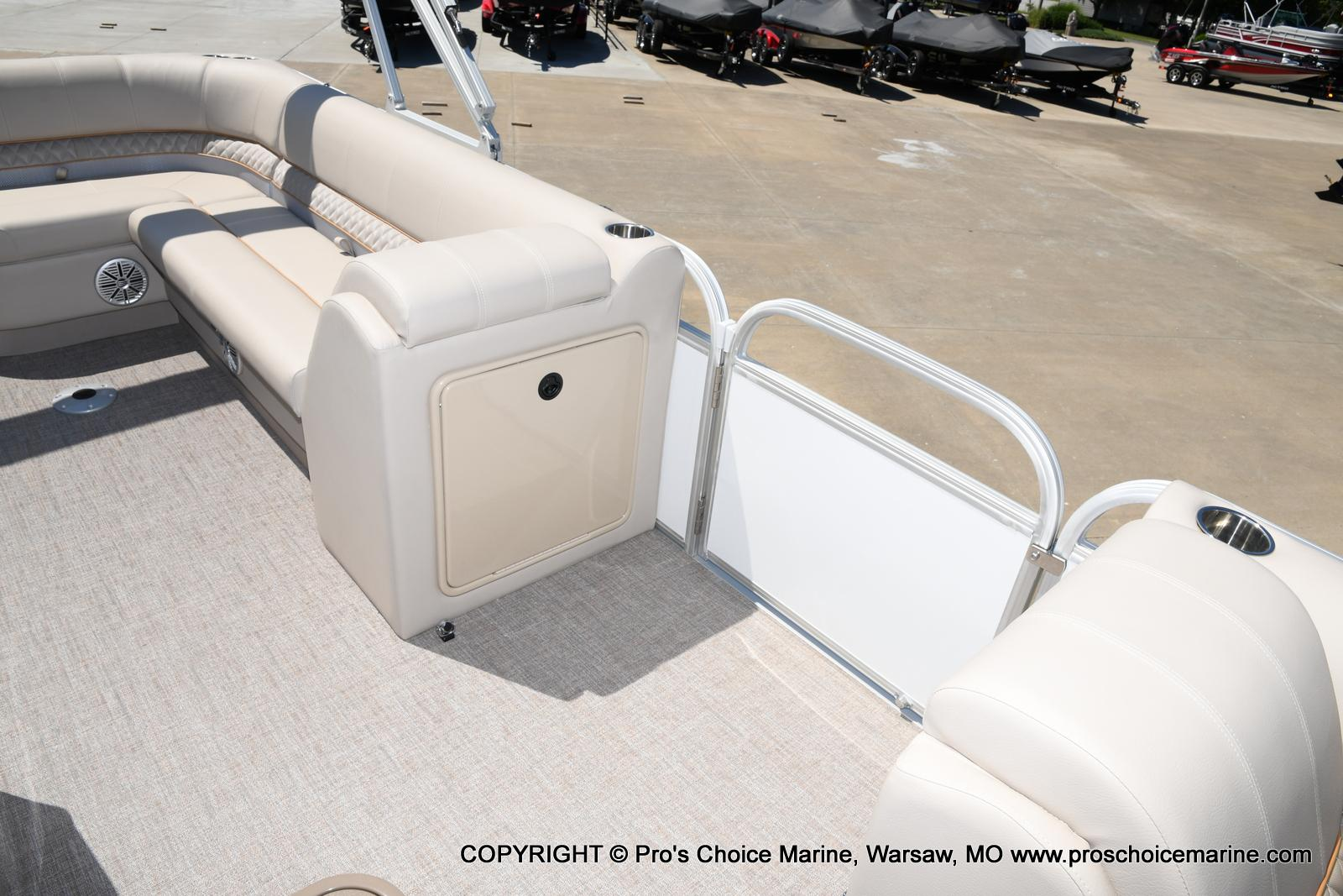 2021 Ranger Boats boat for sale, model of the boat is 223C TRIPLE LOG & Image # 4 of 50