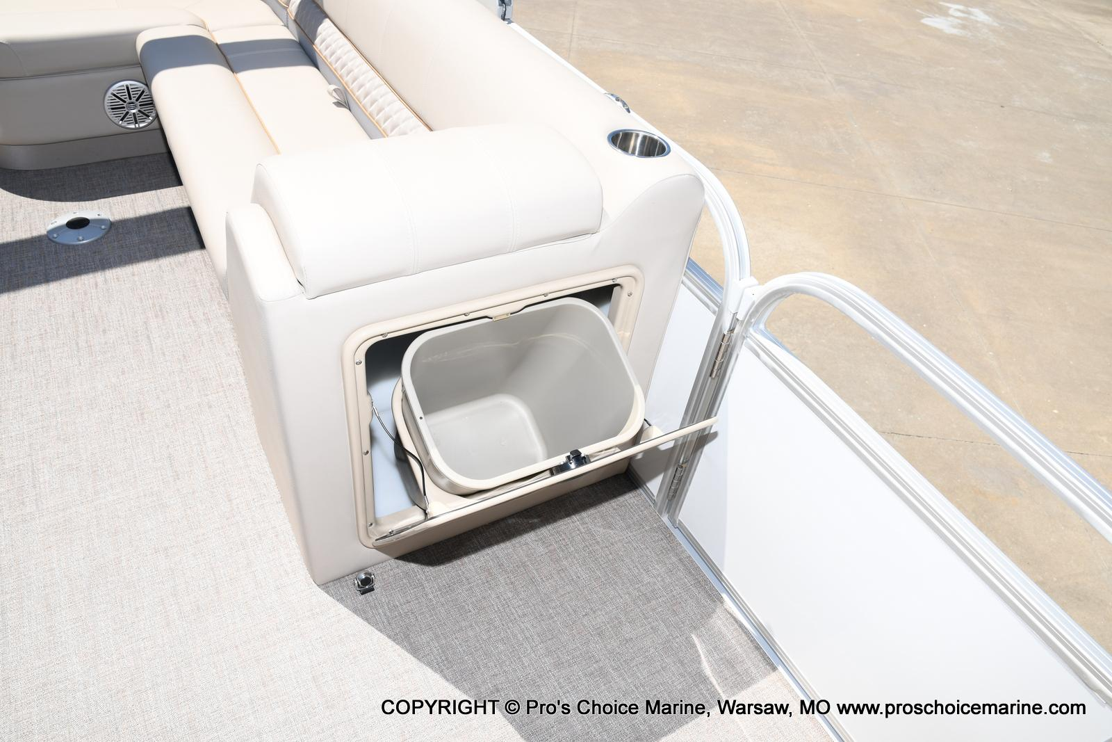 2021 Ranger Boats boat for sale, model of the boat is 223C TRIPLE LOG & Image # 5 of 50