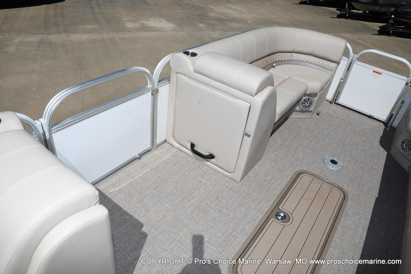 2021 Ranger Boats boat for sale, model of the boat is 223C TRIPLE LOG & Image # 27 of 50