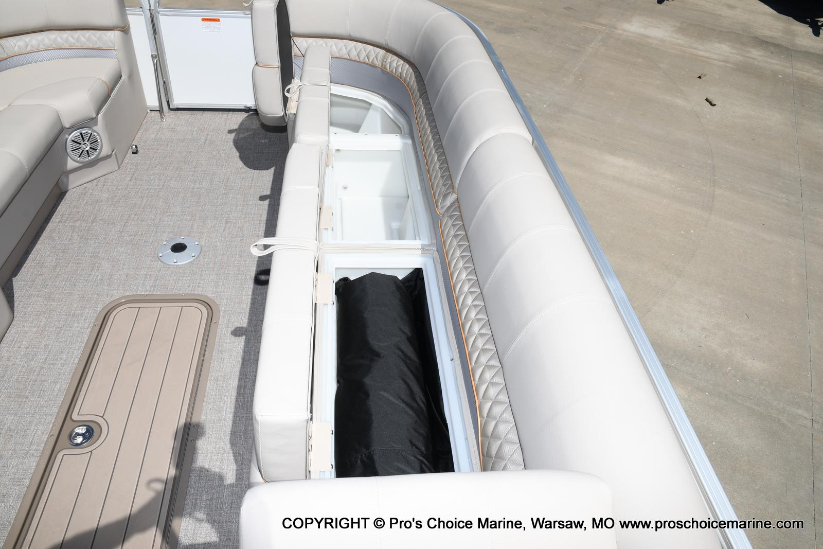 2021 Ranger Boats boat for sale, model of the boat is 223C TRIPLE LOG & Image # 28 of 50