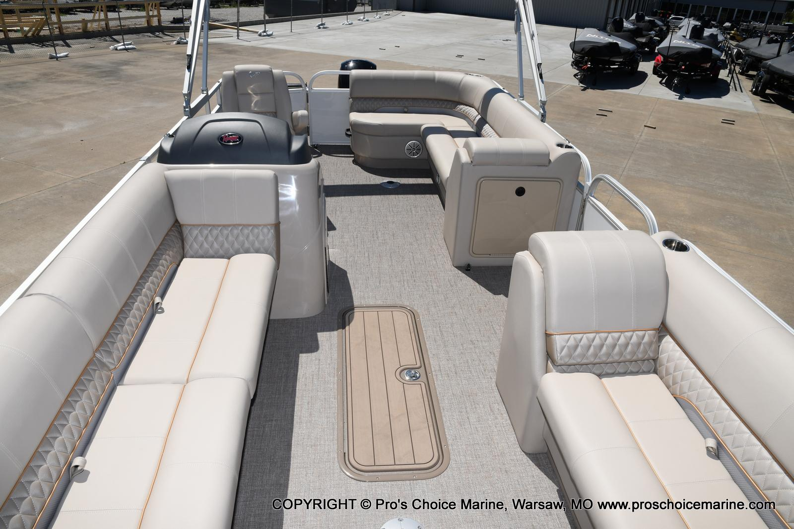 2021 Ranger Boats boat for sale, model of the boat is 223C TRIPLE LOG & Image # 34 of 50
