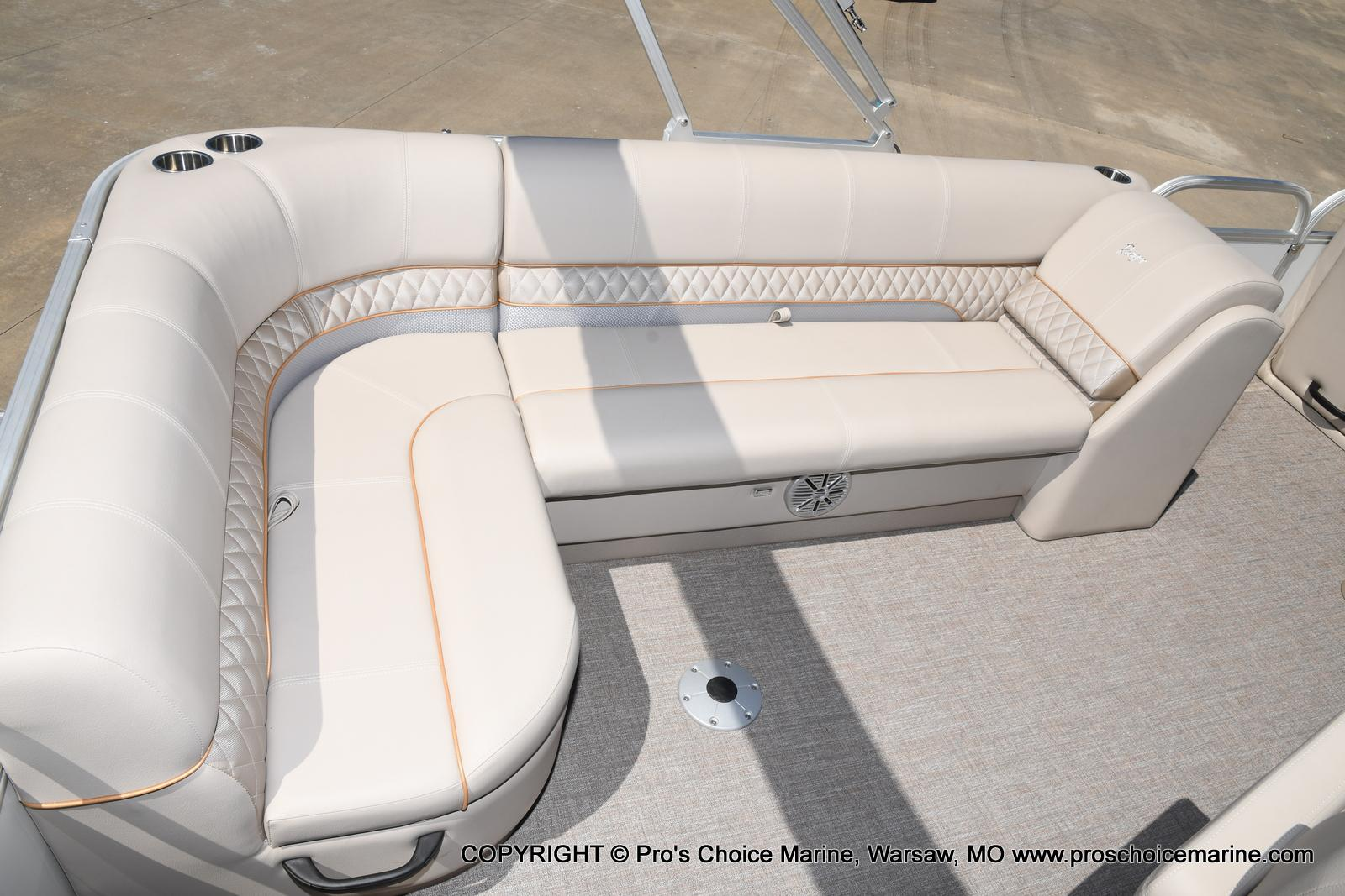2021 Ranger Boats boat for sale, model of the boat is 223C TRIPLE LOG & Image # 35 of 50