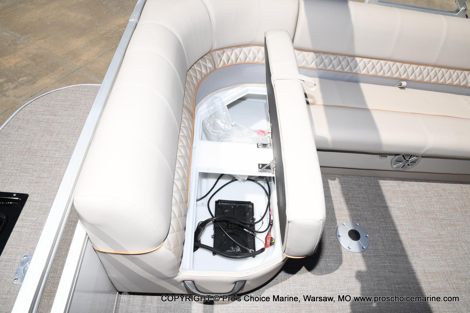2021 Ranger Boats boat for sale, model of the boat is 223C TRIPLE LOG & Image # 45 of 50