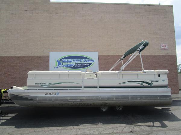 2001 BENNINGTON 2275LX for sale