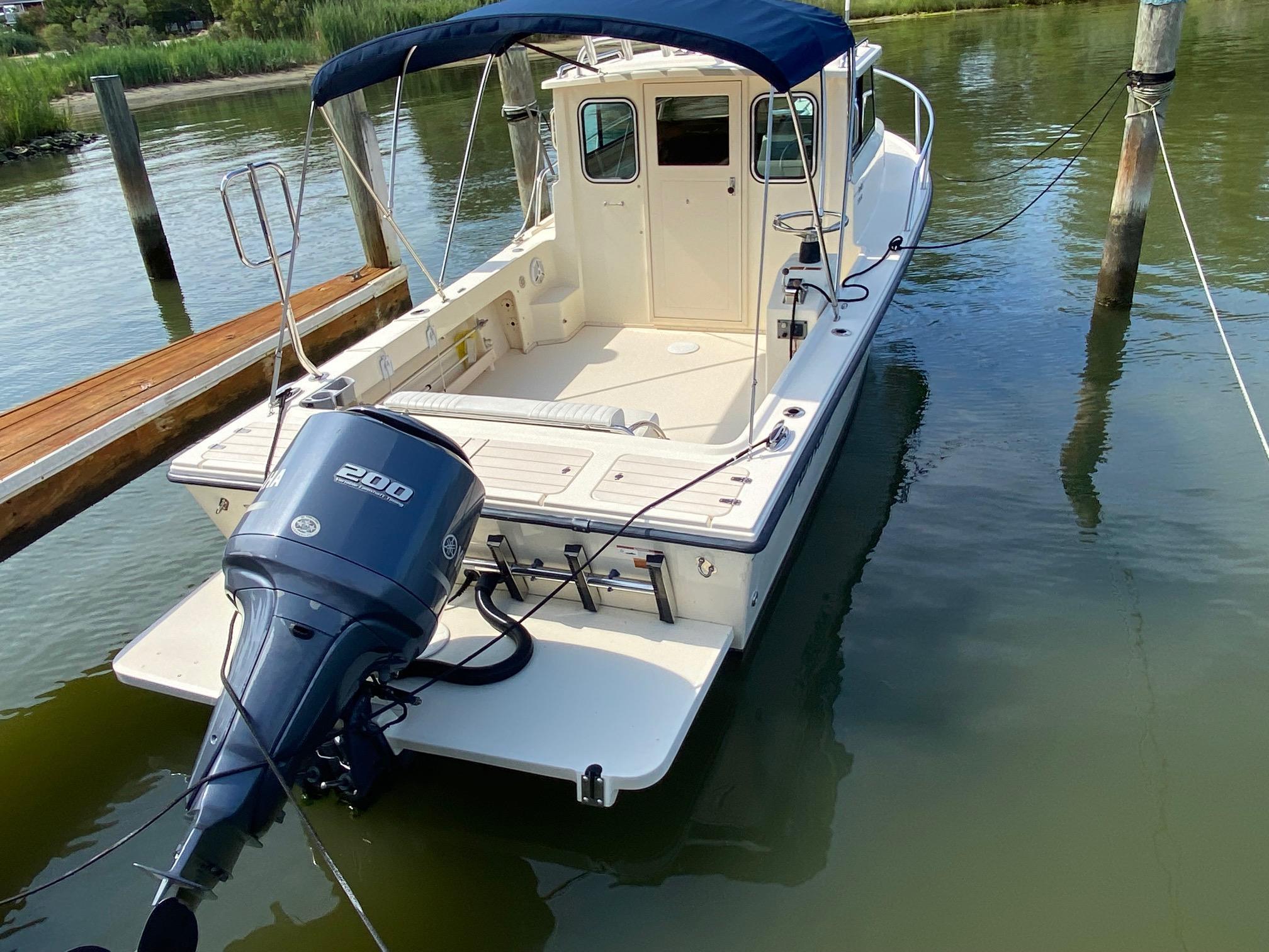 M 6355 TW Knot 10 Yacht Sales