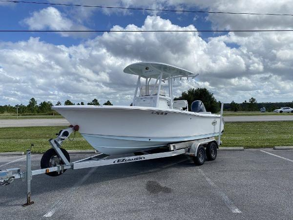 2016 Sea Hunt boat for sale, model of the boat is Ultra 211 & Image # 1 of 11