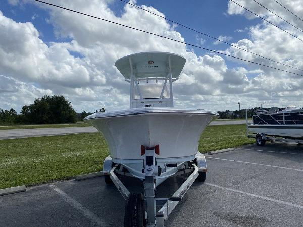 2016 Sea Hunt boat for sale, model of the boat is Ultra 211 & Image # 5 of 11