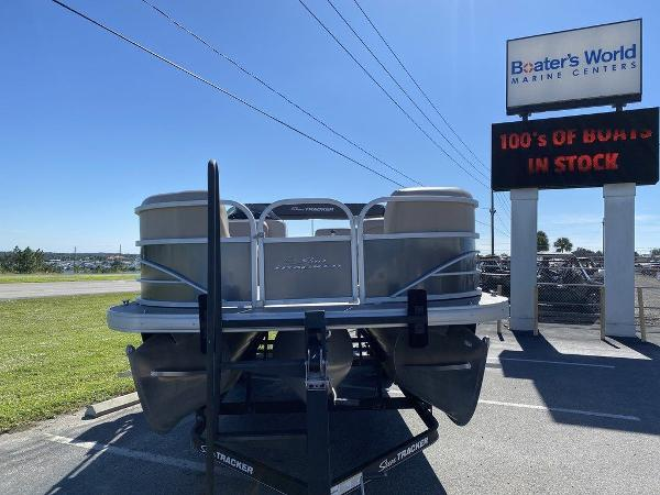 2017 Sun Tracker boat for sale, model of the boat is PARTY BARGE® 24 XP3 & Image # 2 of 13