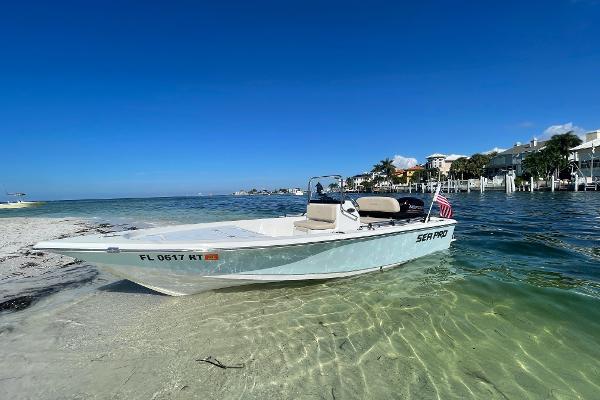 2017 Sea Pro 172 Bay