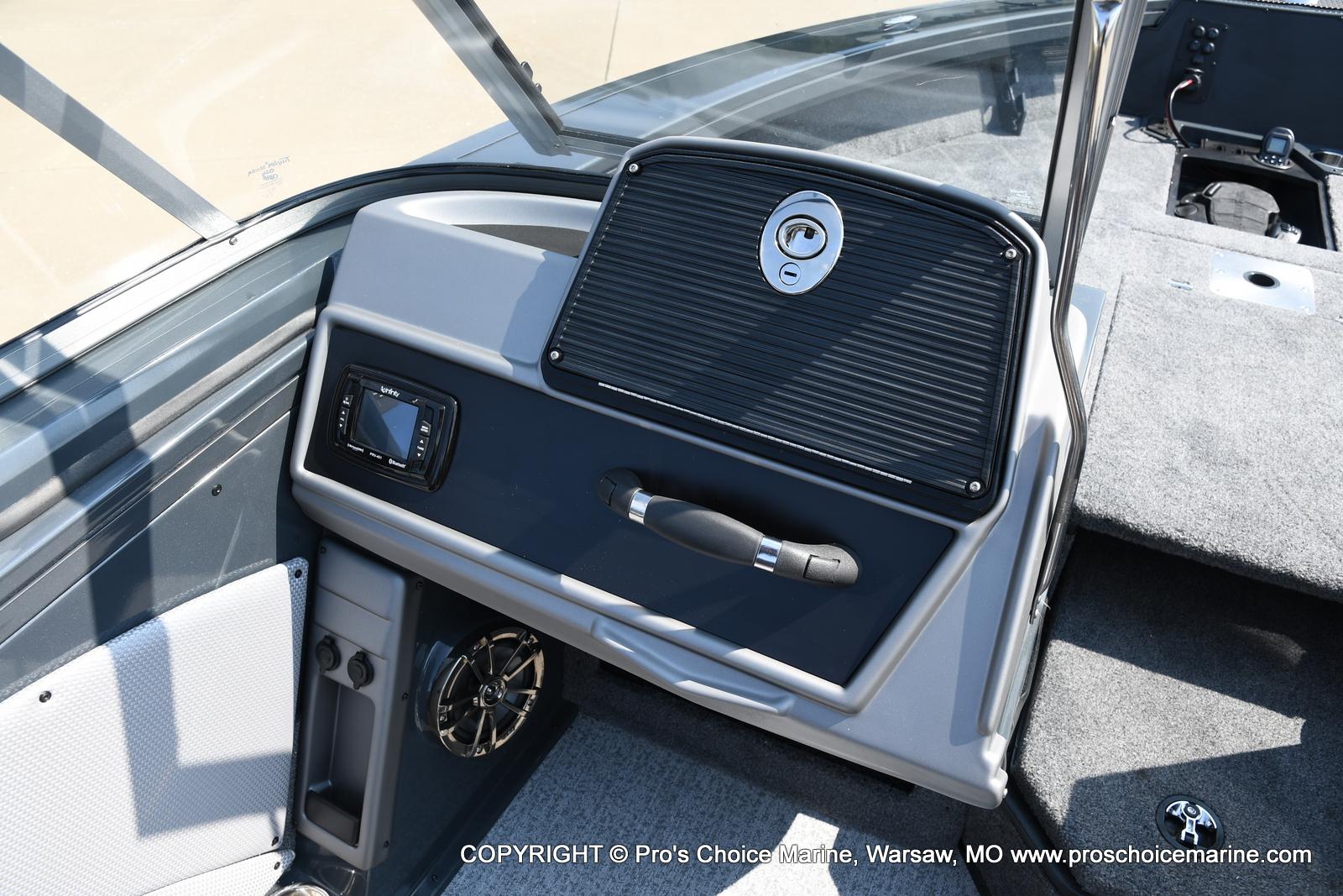 2021 Ranger Boats boat for sale, model of the boat is VX1788 WT w/150HP Mercury 4 Stroke & Image # 6 of 50