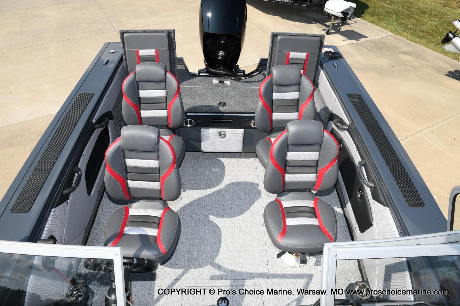 2021 Ranger Boats boat for sale, model of the boat is VX1788 WT w/150HP Mercury 4 Stroke & Image # 22 of 50