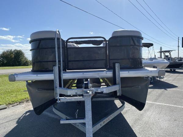 2017 Sweetwater boat for sale, model of the boat is SW 2286 C & Image # 3 of 9