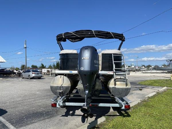 2017 Sweetwater boat for sale, model of the boat is SW 2286 C & Image # 4 of 9