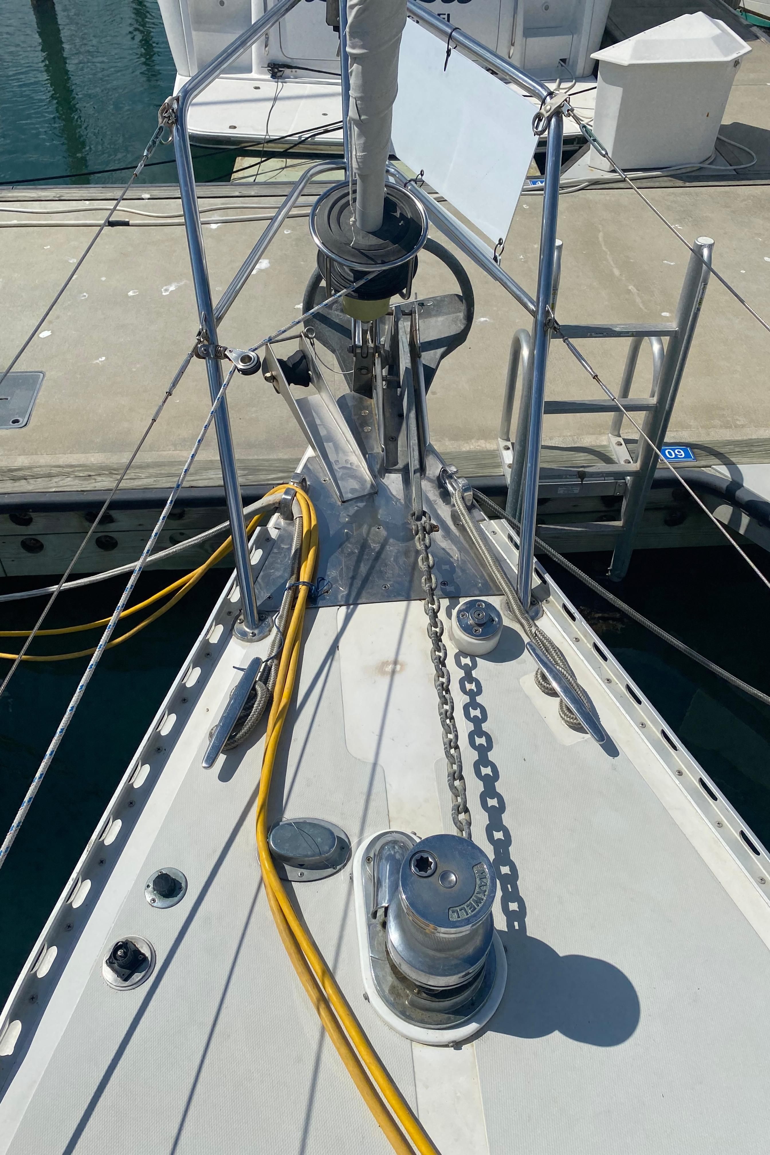Maxwell Vertical Windlass