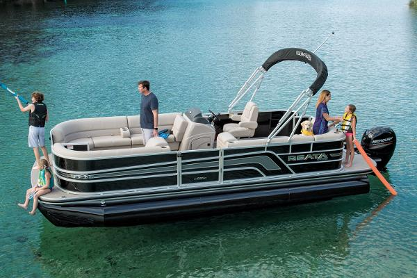 2018 Ranger Boats boat for sale, model of the boat is Reata 223C & Image # 1 of 10
