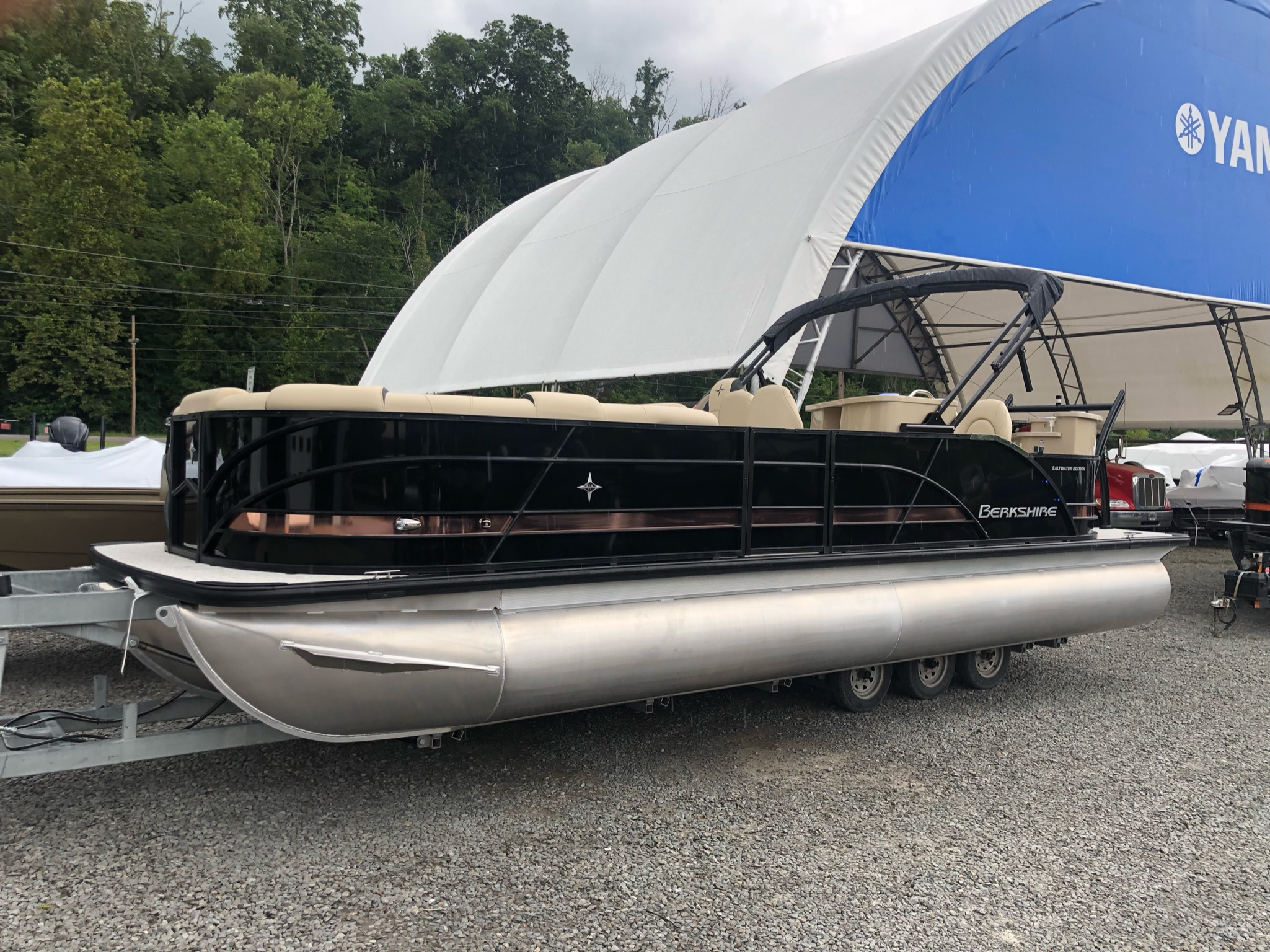 2022 Berkshire STS Series 25E STS TRITOON - IN STOCK