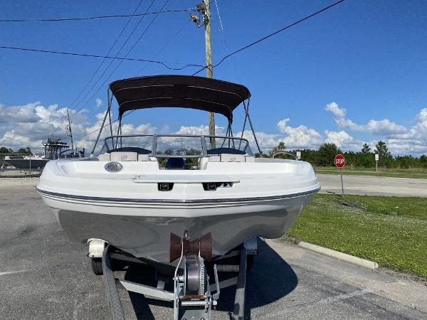 2018 Hurricane boat for sale, model of the boat is SD 217 OB & Image # 2 of 12