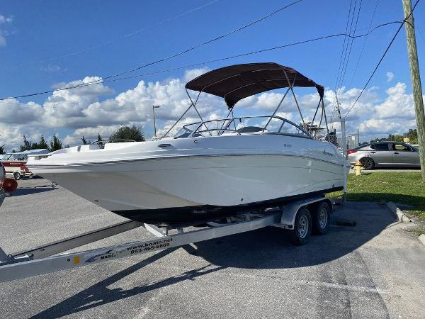2018 Hurricane boat for sale, model of the boat is SD 217 OB & Image # 3 of 12