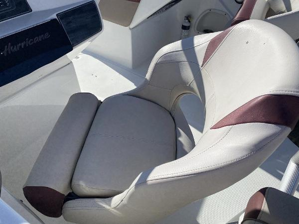 2018 Hurricane boat for sale, model of the boat is SD 217 OB & Image # 4 of 12