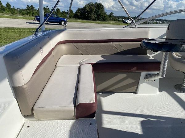 2018 Hurricane boat for sale, model of the boat is SD 217 OB & Image # 9 of 12