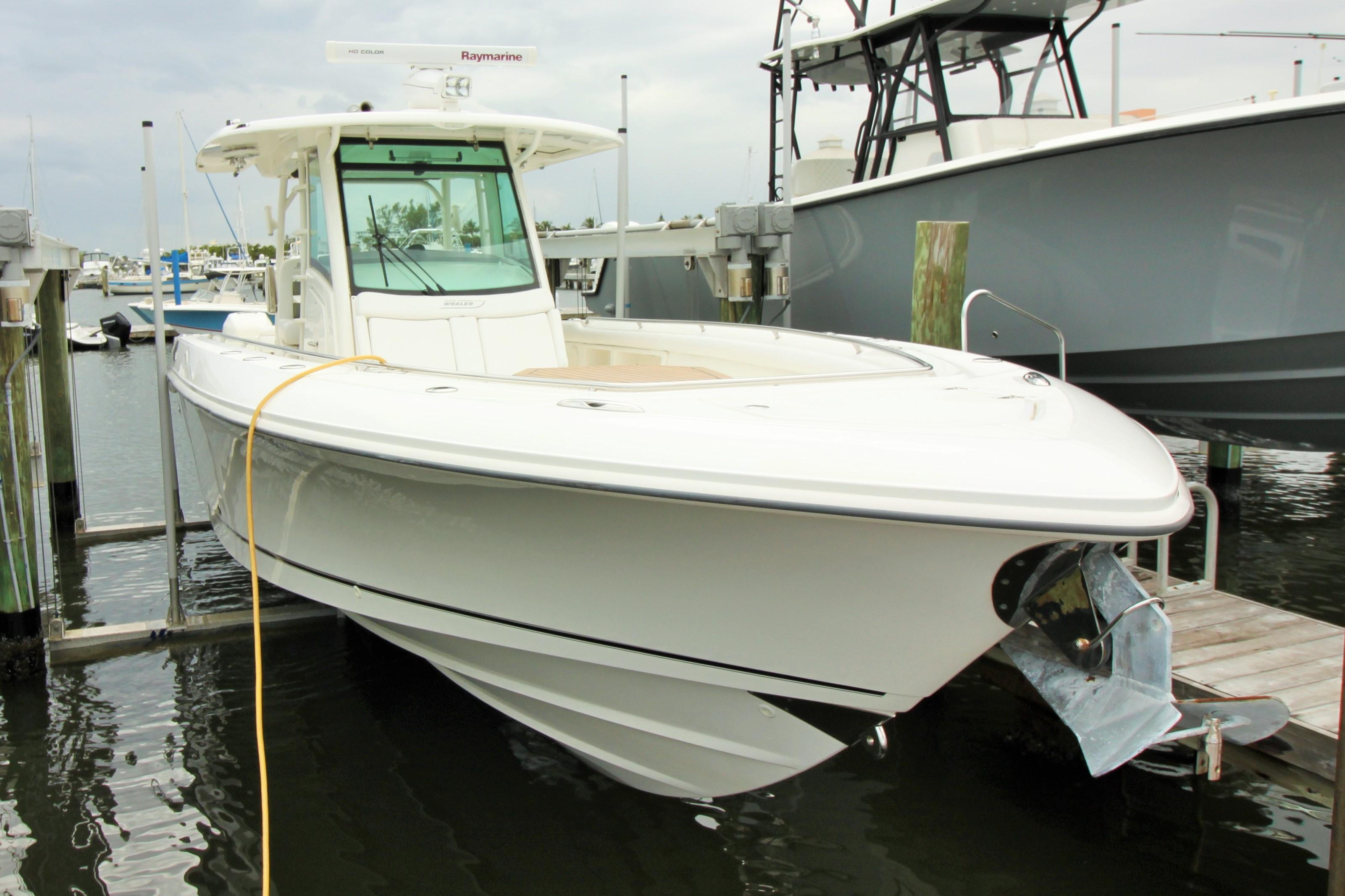 2015 Boston Whaler 350 Outrage