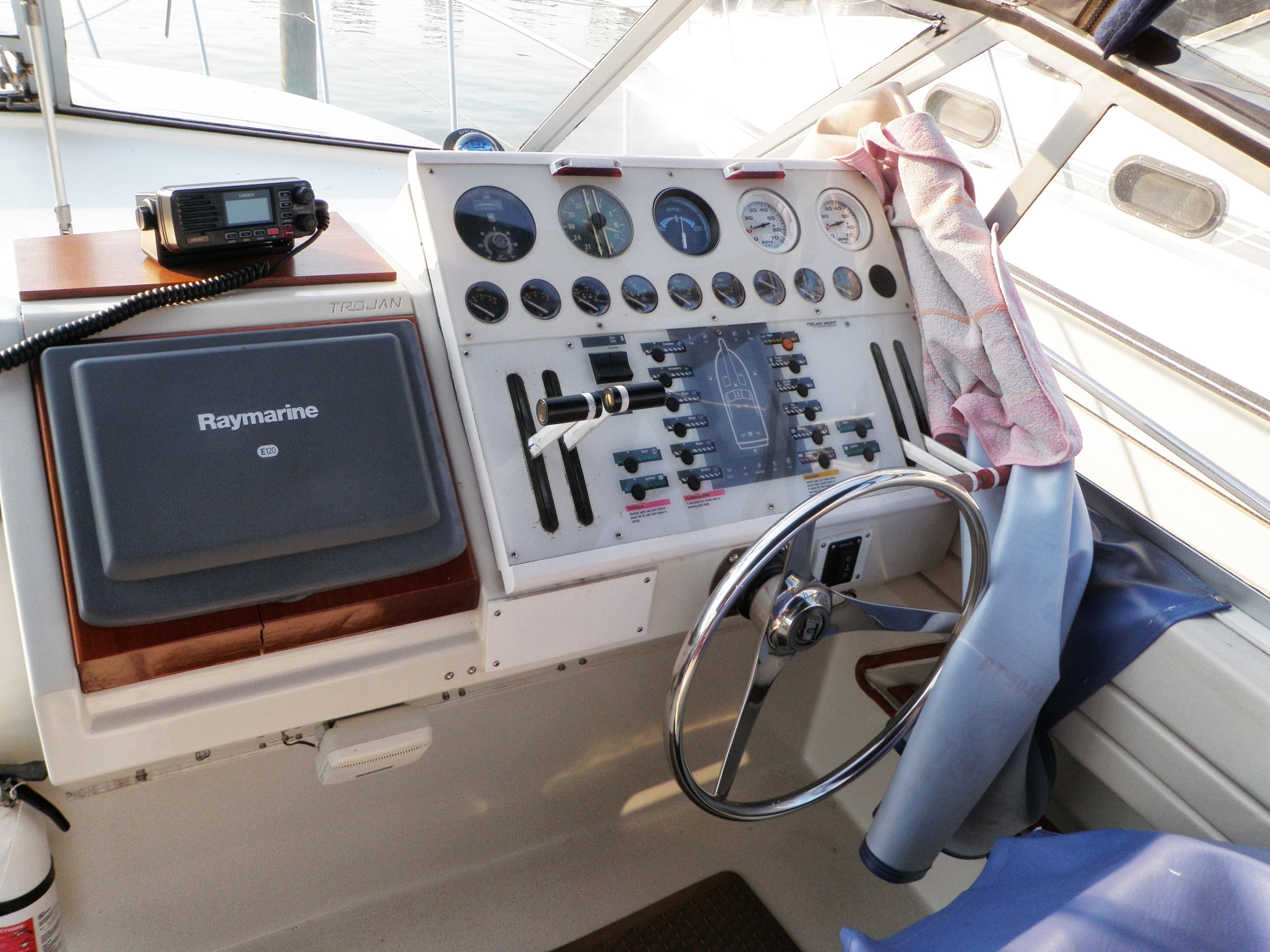 M 6009 JB Knot 10 Yacht Sales
