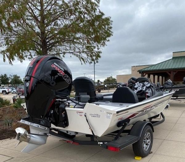 2021 Tracker Boats boat for sale, model of the boat is Pro Team 195 TXW Tournament Edition & Image # 2 of 3